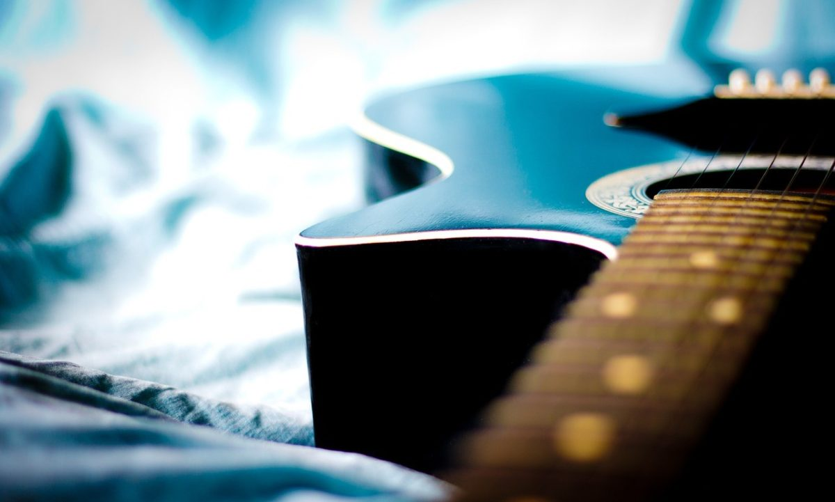 Ask the expert – online rock & pop lessons for acoustic guitar