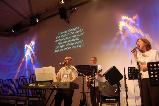 Ask the Expert – How to approach playing with the worship band when you have moved to a new church