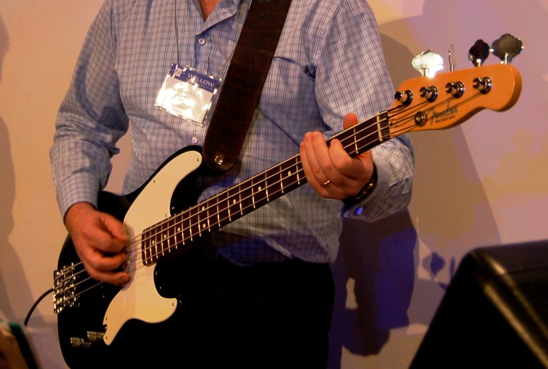 Ask the Expert – Tips for getting the best sound for a bass guitar on stage