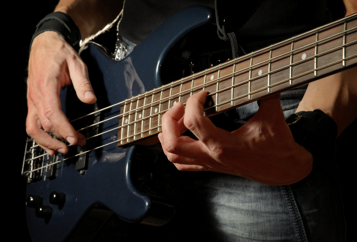 Comparison tables of bass guitar strings