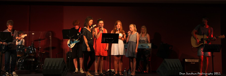 Case Study: How one church uses Split Tracks with it's youth praise band
