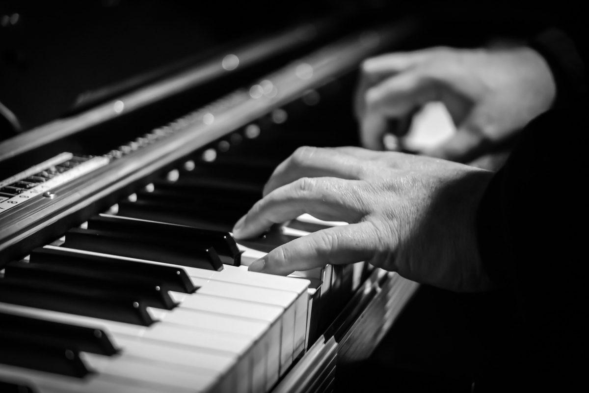 How to lead worship with piano alone